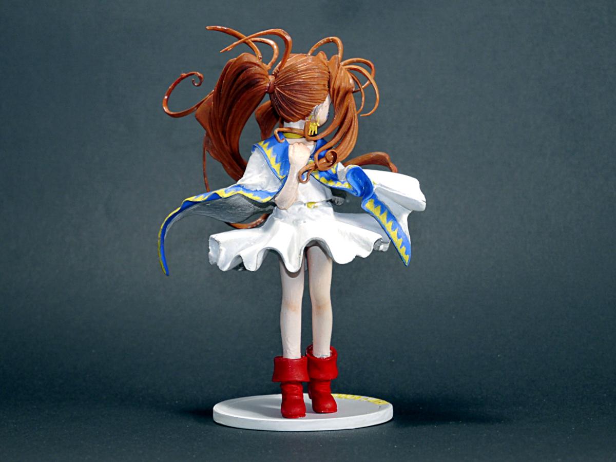figurine manga a monter